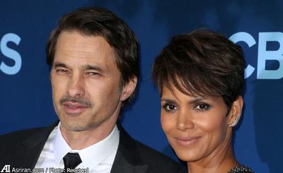 اولیور مارتینز بازیگر فرانسوی با هلی ماریا بری بازیگر زن سیاه پوست آمریکایی ازدواج کرده است