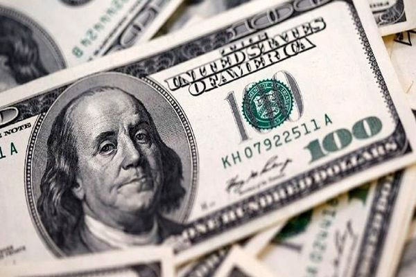 هجوم فروشندگان دلار به کوچه ثبت! / صف خرید و فروش دلالان دلار شلوغ شد؟