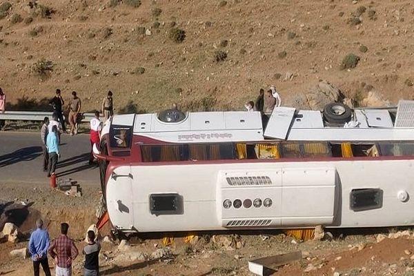 بازداشت راننده اتوبوس حامل خبرنگاران + جزئیات