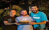 هوتن شکیبا با کیک تولد و نوید محمد زاده و بهرام افشاری