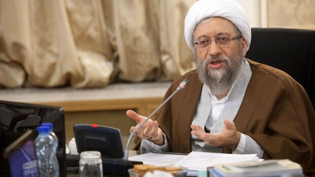 آملی لاریجانی: انشاءالله با بی طرفی صلاحیت نامزدها را بررسی می کنیم