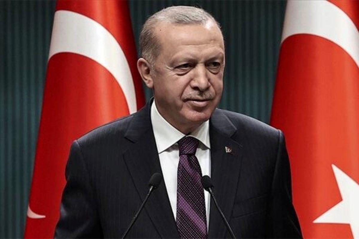 تصاویر لو رفته از مشکل اردوغان در راه رفتن!