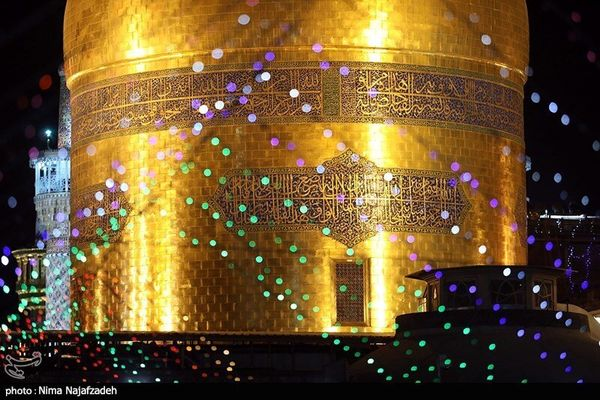 تصاویر حال و هوای عید غدیر در حرم رضوی