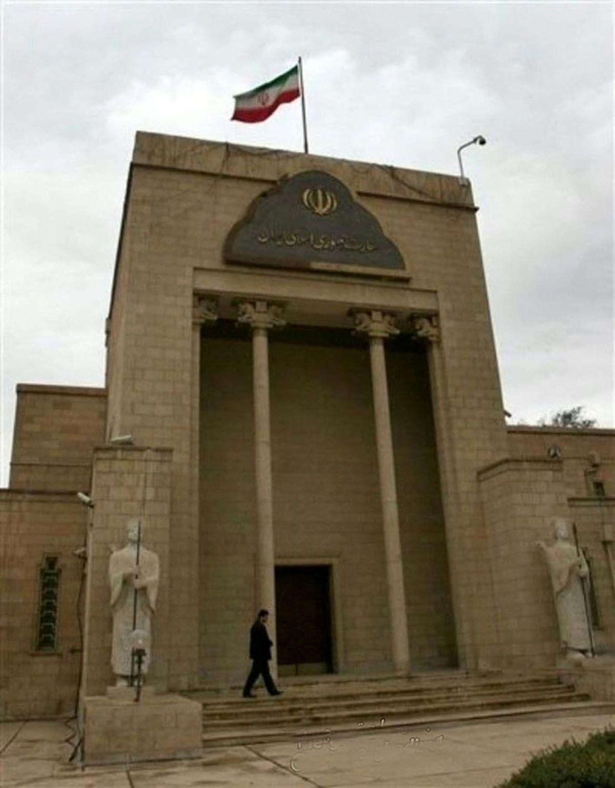 تصویر بنای زیبای سفارت ایران در بغداد با معماری هخامنشی