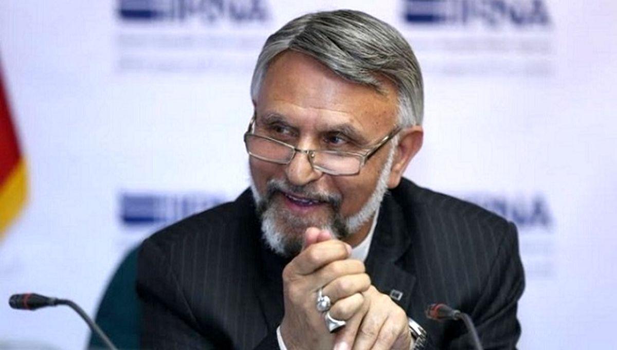 فعال سیاسی اصولگرا: حدادعادل خیال همه را راحت کند و اسم رد صلاحیتشدهها را بگوید / جدال احمدینژاد و حدادعادل دوئل انتخاباتی است
