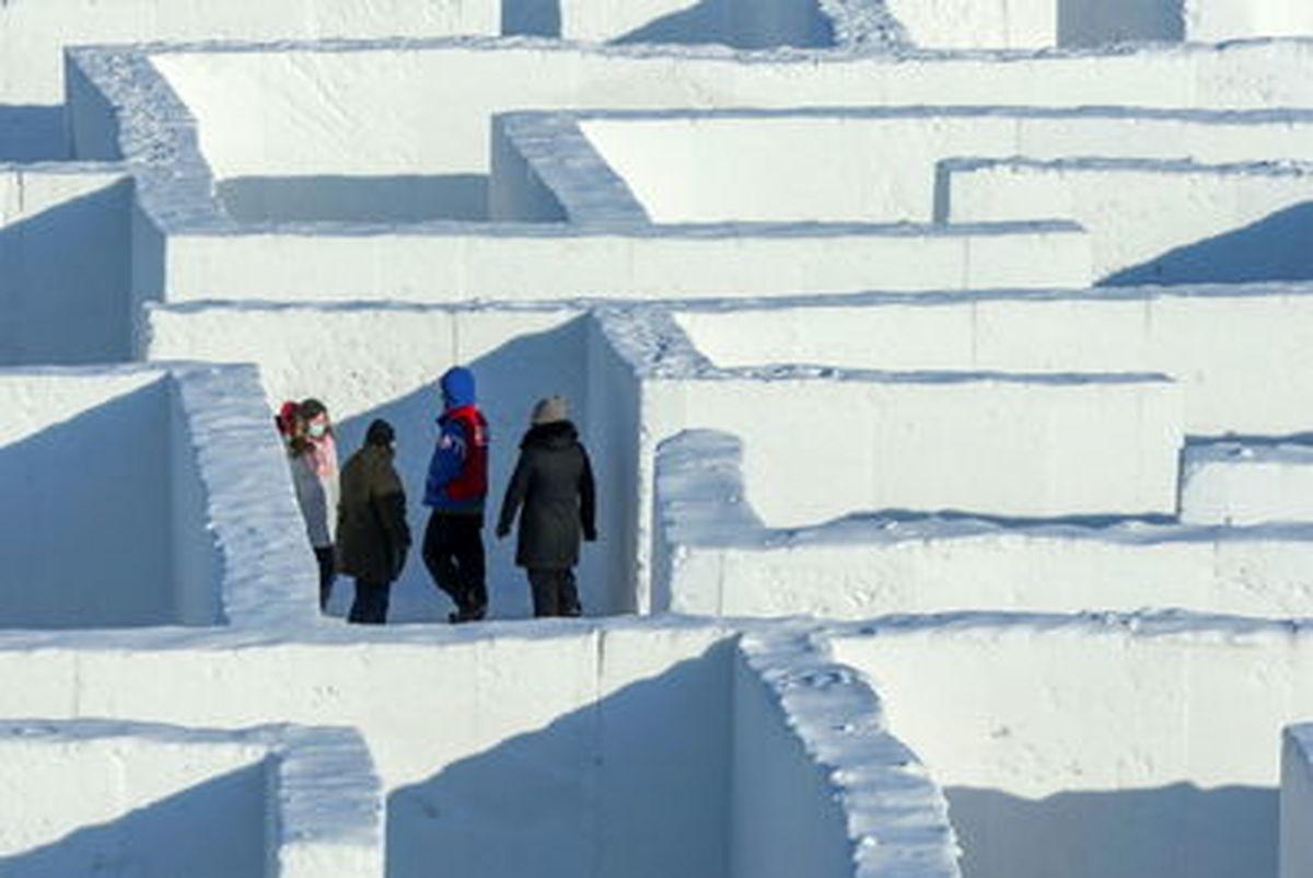 عکسهای جذاب از لابیرنت برفی عظیم الجثه در کانادا