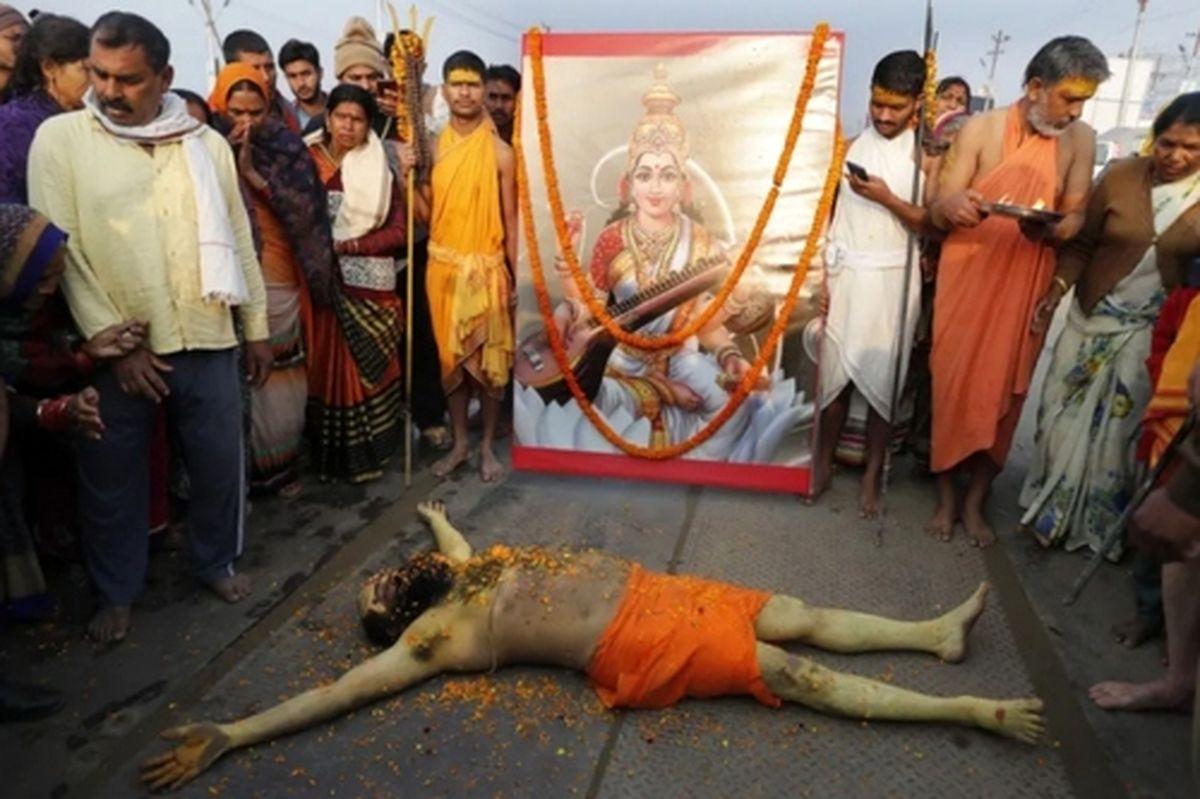 عکس دیده نشده از جشنواره آیینی هندوها در کرانه رود سنگام