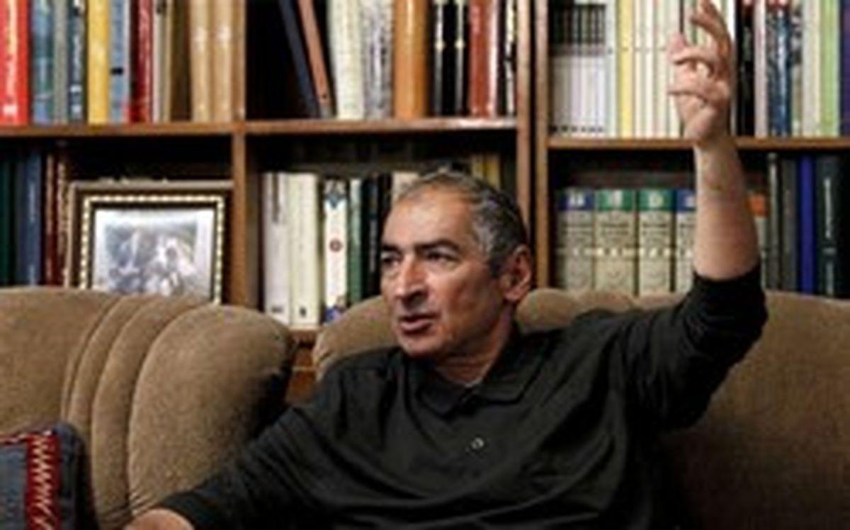 صادق زیباکلام: نامزد اصولگرایان در انتخابات ۱۴۰۰ احمدینژاد است/ رئیسی پا به میدان نمیگذارد/ اگر ظریف نامزد ریاست جمهوری بشود، رأی نمیآورد