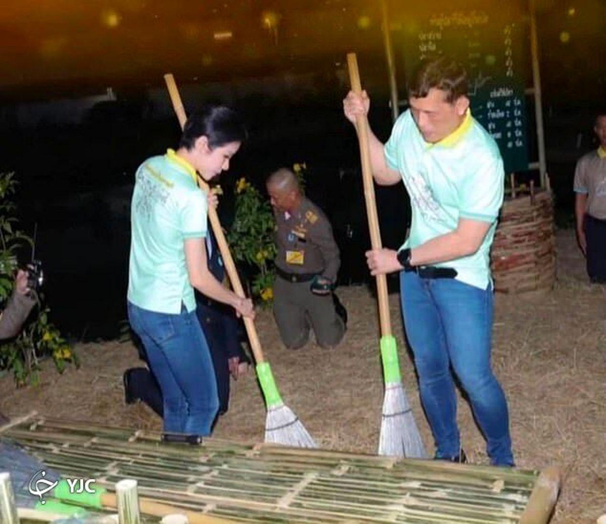 جاروکشی پادشاه تایلند و معشوقه جنجالیاش در زندان! + عکس