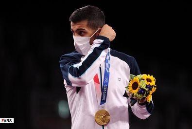 قهرمانی گرایی و کسب مدال طلای المپیک