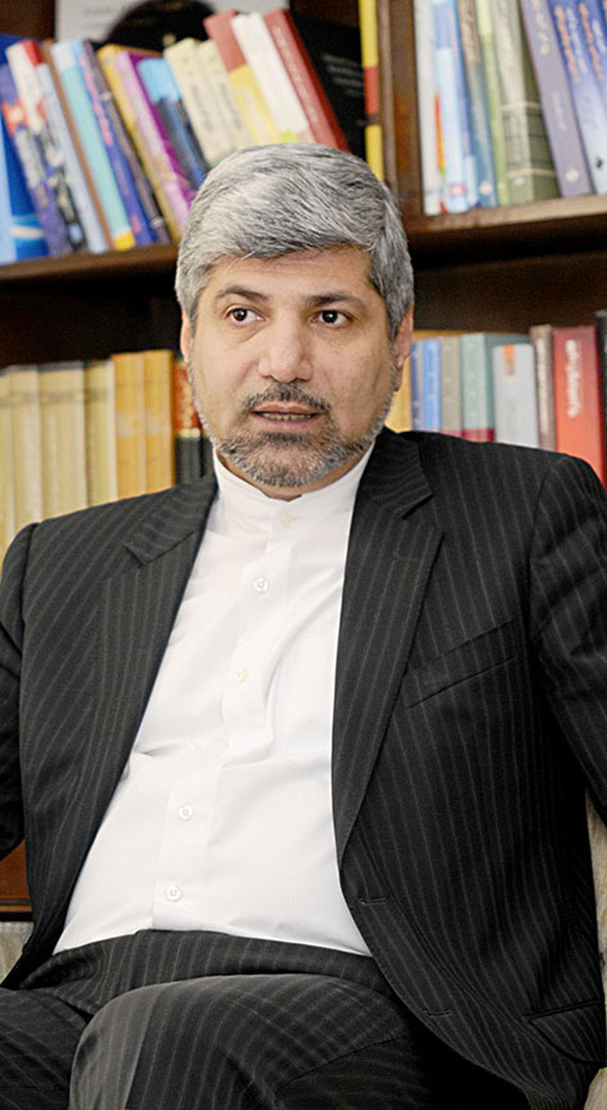 طرح بحث هولوکاست از سوی احمدینژاد هیچ نفعی برای ایران نداشت