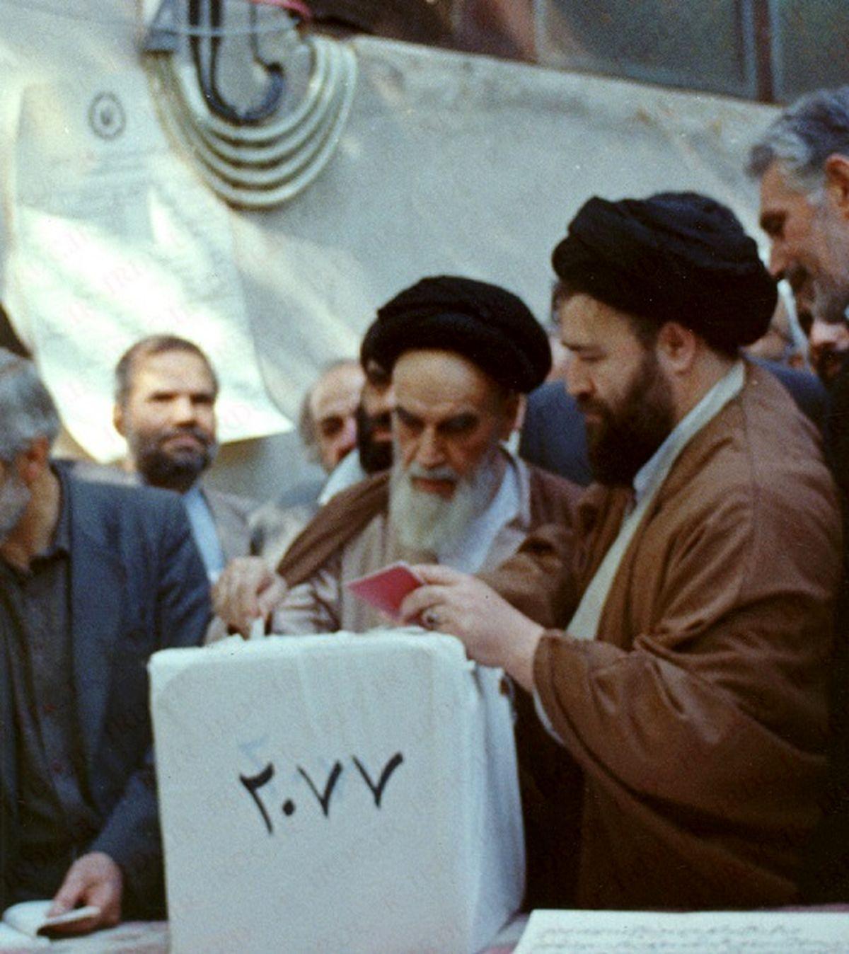 امام خمینی: ما تابع آرای ملت هستیم
