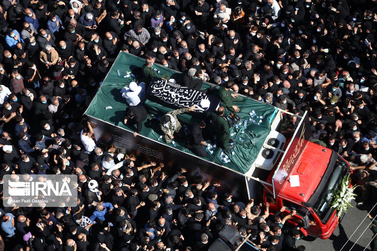 حاشیههای تشییع پیکر علامه حسنزاده در آمل