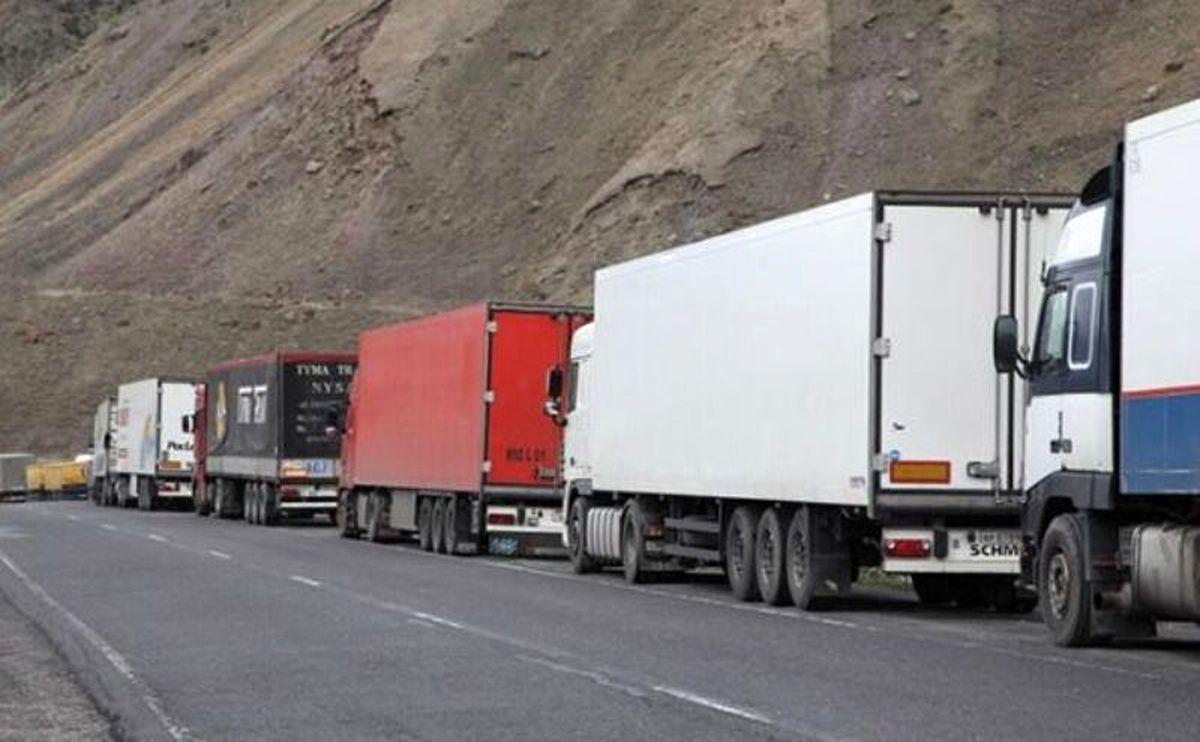 ممنوعیت و محدودیت ورود کامیونهای ایرانی به گرجستان صحت ندارد/ شرایط عادی است