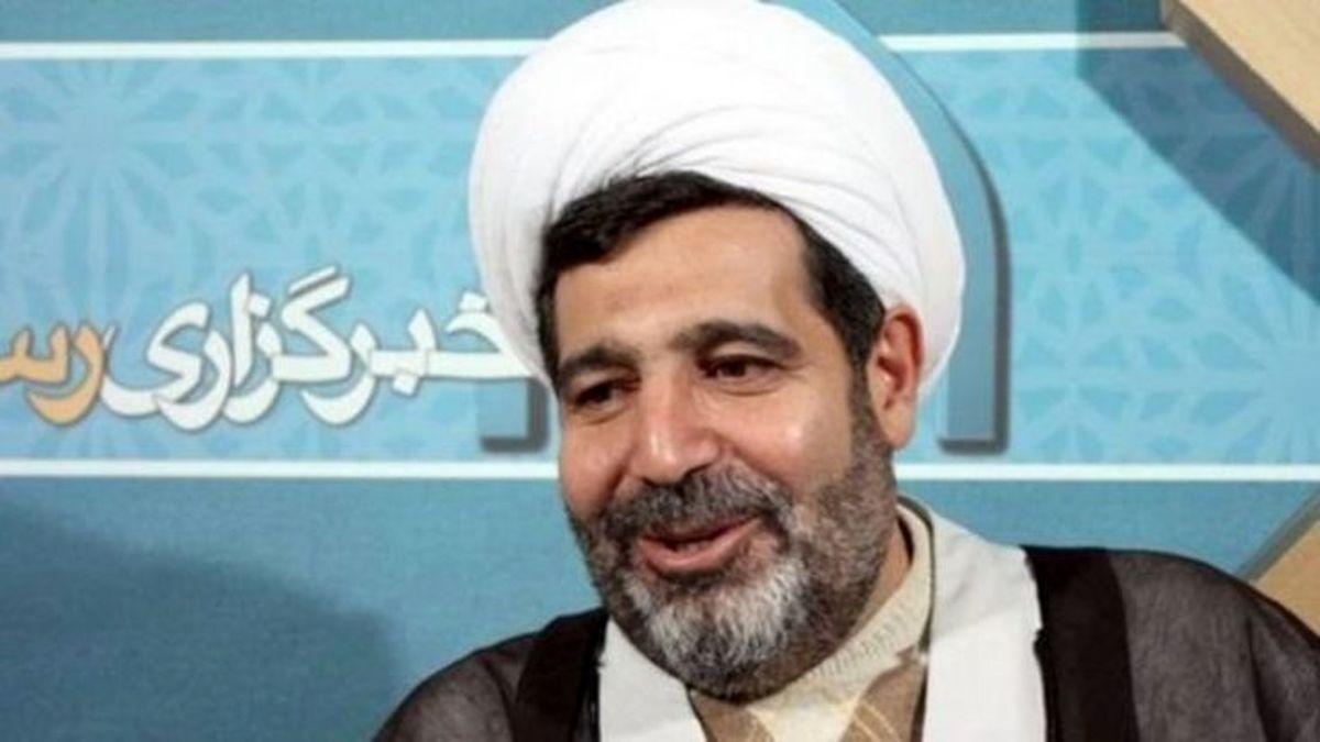 توضیحات وکیل خانواده قاضی معروف درباره همراهی یک خانم با منصوری