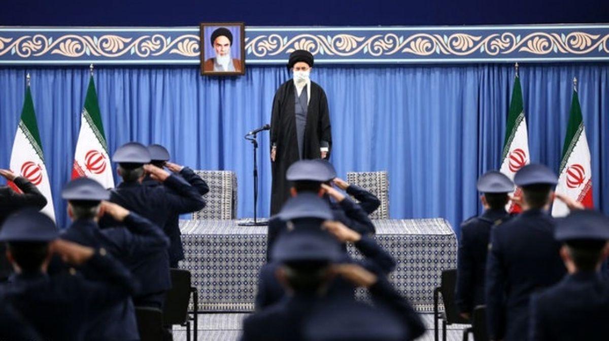 تذکر رهبر انقلاب خطاب به مسئولان: با نشستن و تماشا کردن هیچ کاری پیش نمیرود