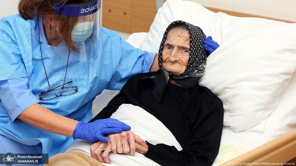 نجات پیرزن ۹۹ ساله از کرونا+عکس