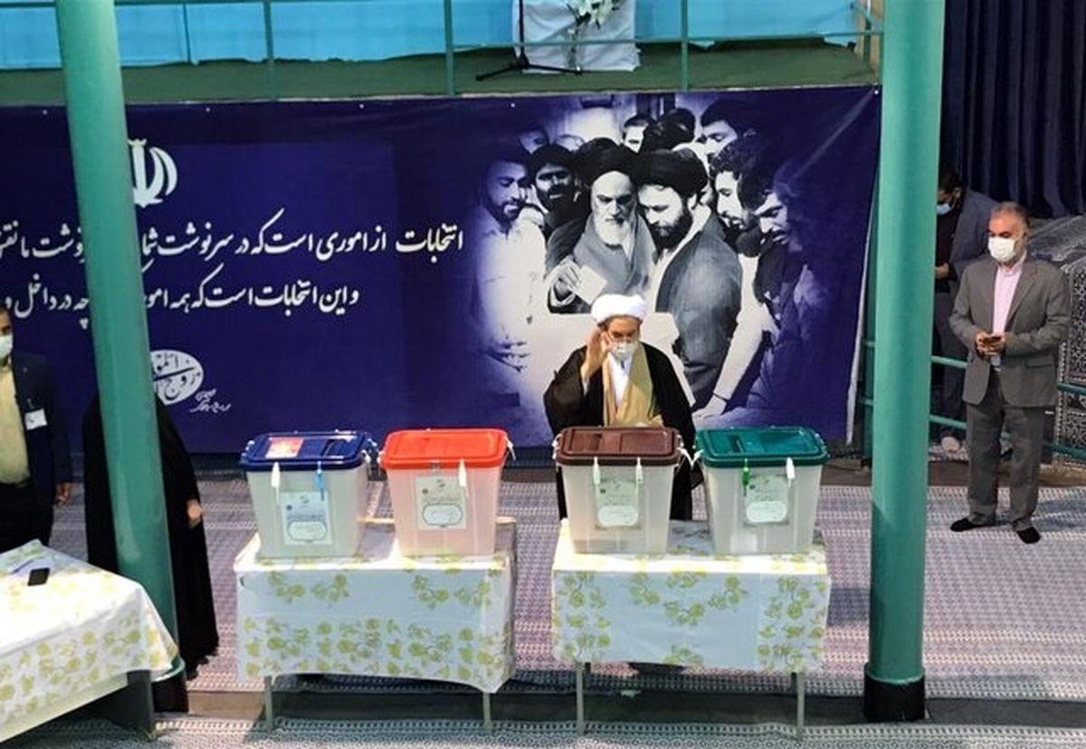 علی یونسی هم رای داد