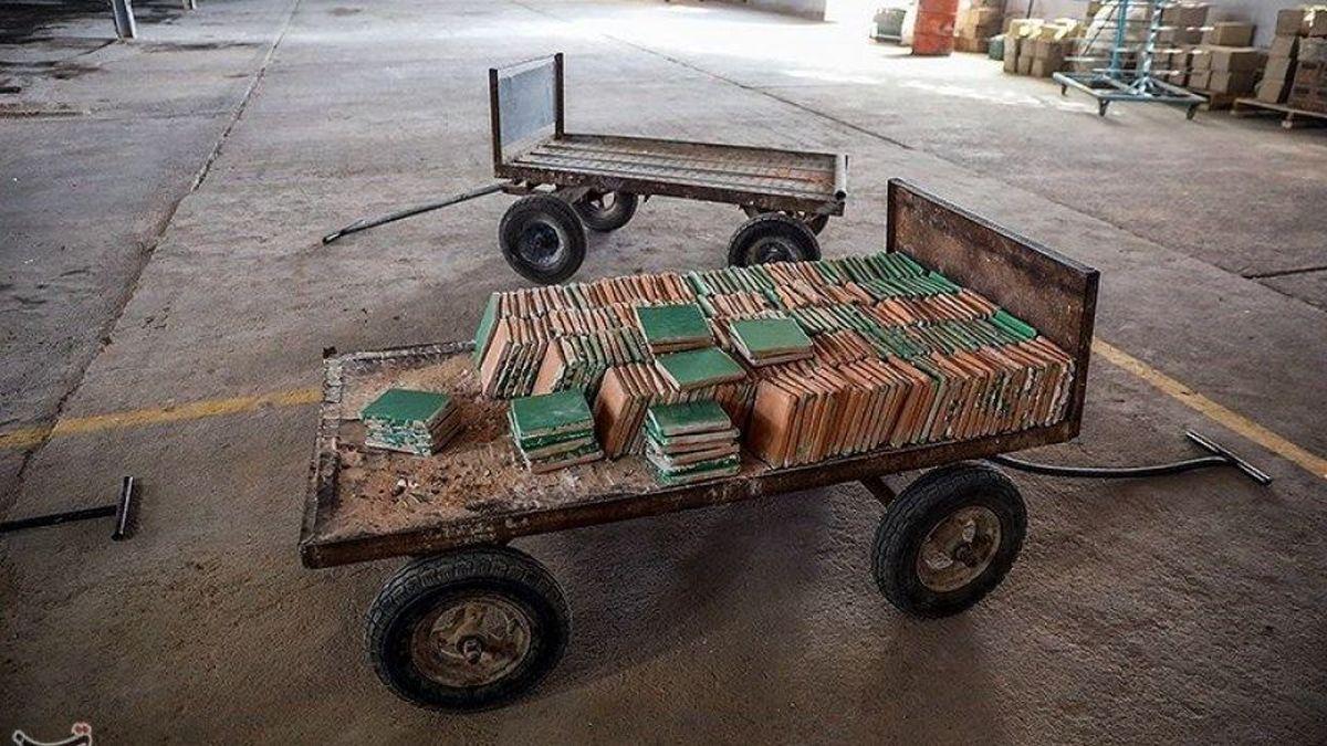 تصاویر دیده نشده از کارخانه کاشی سنتی قدس رضوی