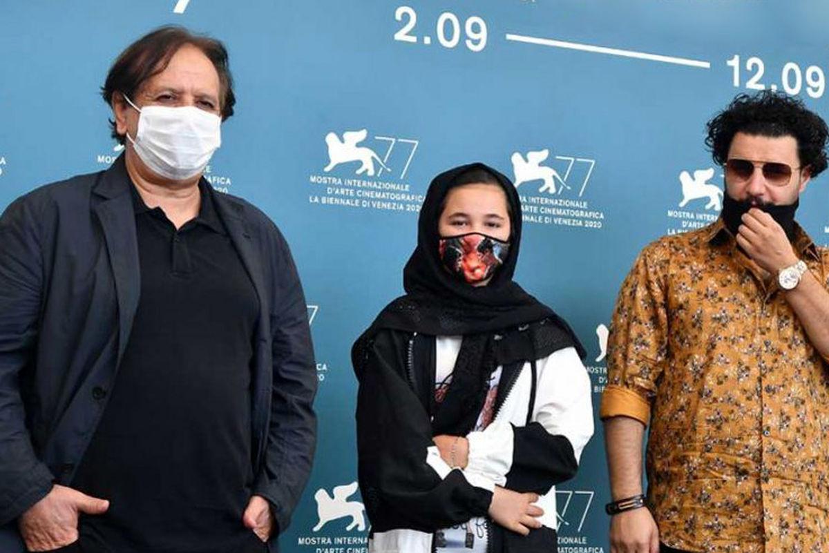 تقدیر از جواد عزتی و مجید مجیدی روی سن جشنواره ونیز + عکس
