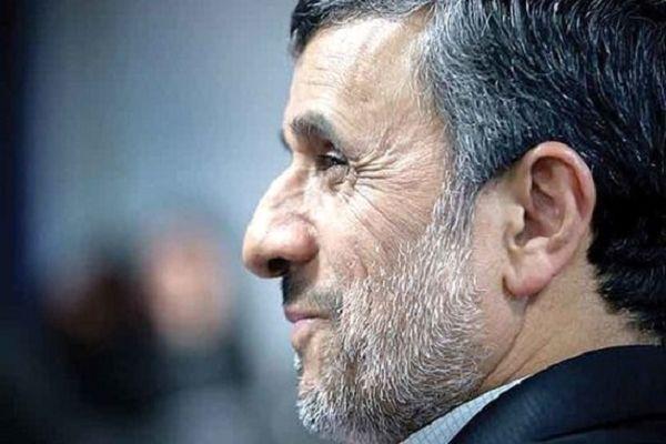 حرکت محمود احمدینژاد به طرف ستاد انتخابات وزارت کشور