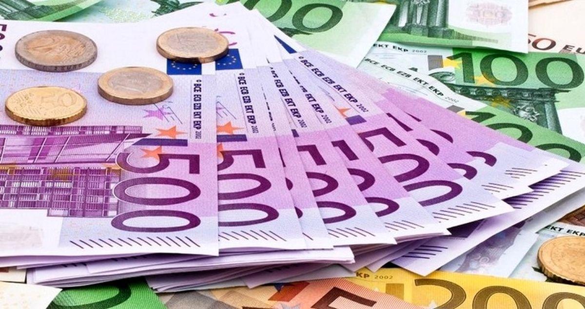 قیمت دلار و قیمت یورو امروز دوشنبه 22 دی ماه 99 / دلار بالا رفت+ جدول