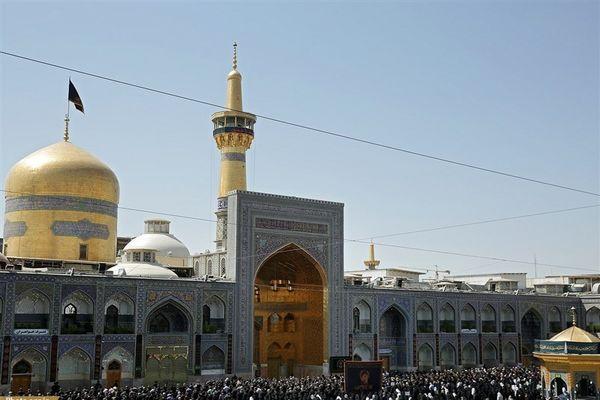 اقامه نماز عید بزرگ فطر در حرم رضوی