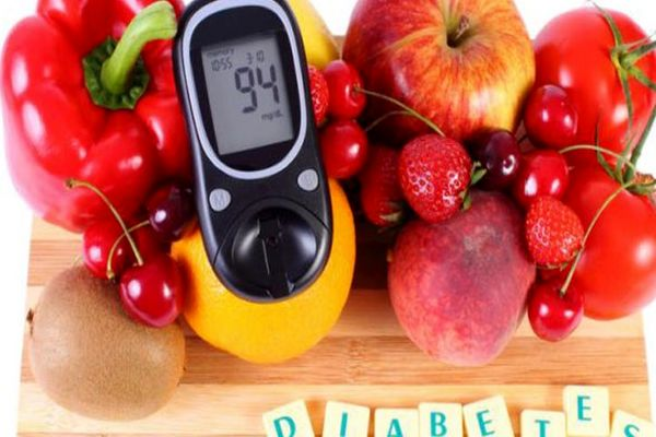 بیماران دیابتی چه میوه هایی بخورند؟