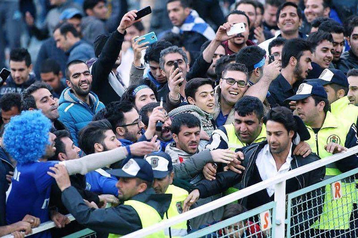 شورش ارتش هواداران فرهاد مجیدی در باشگاه استقلال