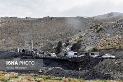 تصاویر عملیات نجات معدنچیان دامغانی از زیر آوار