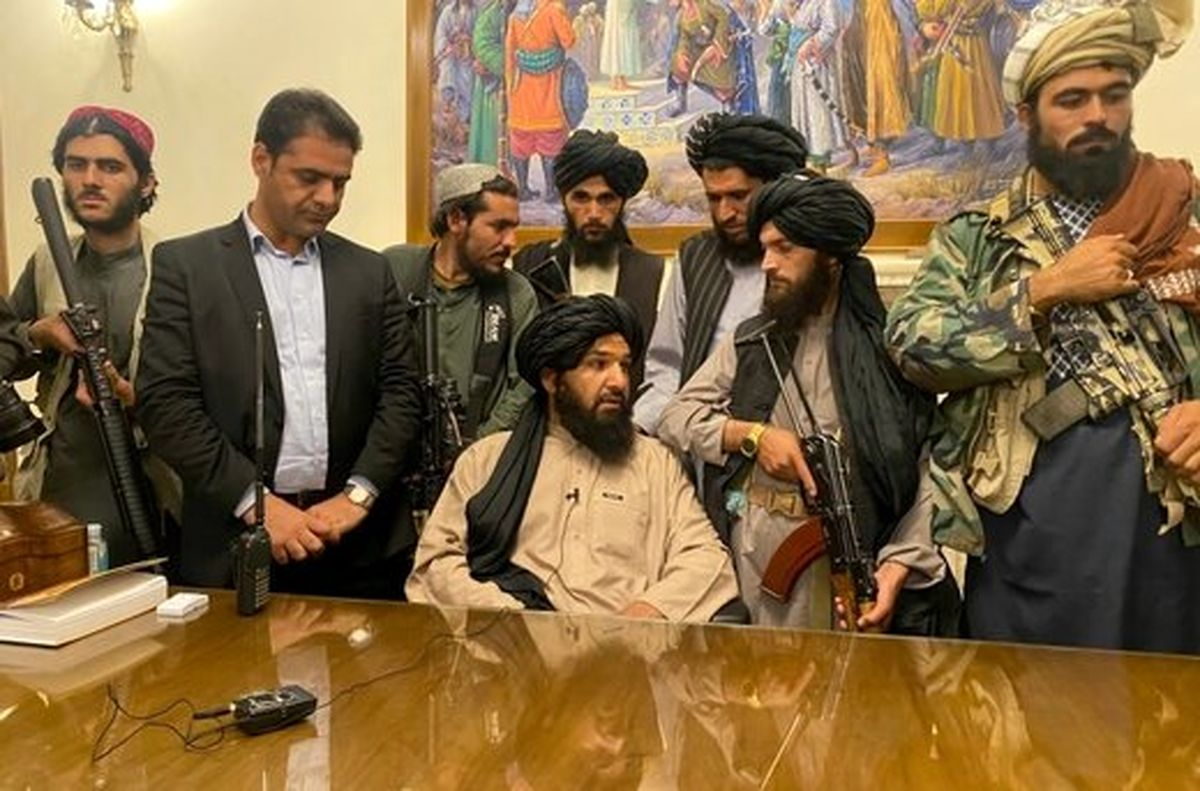 طالبان در ارگ نشست
