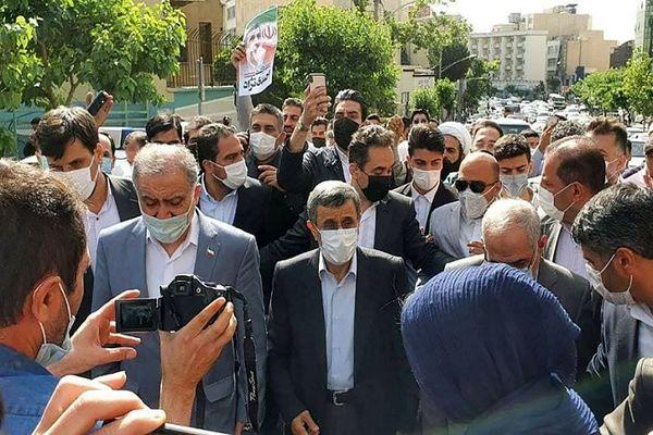 شعار عجیب طرفداران احمدی نژاد + فیلم