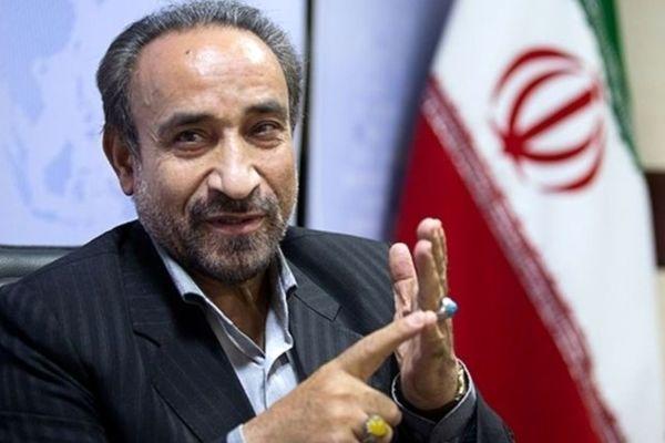 محمدرضا خباز: عارف میآید و شایستگی ریاستجمهوری دارد