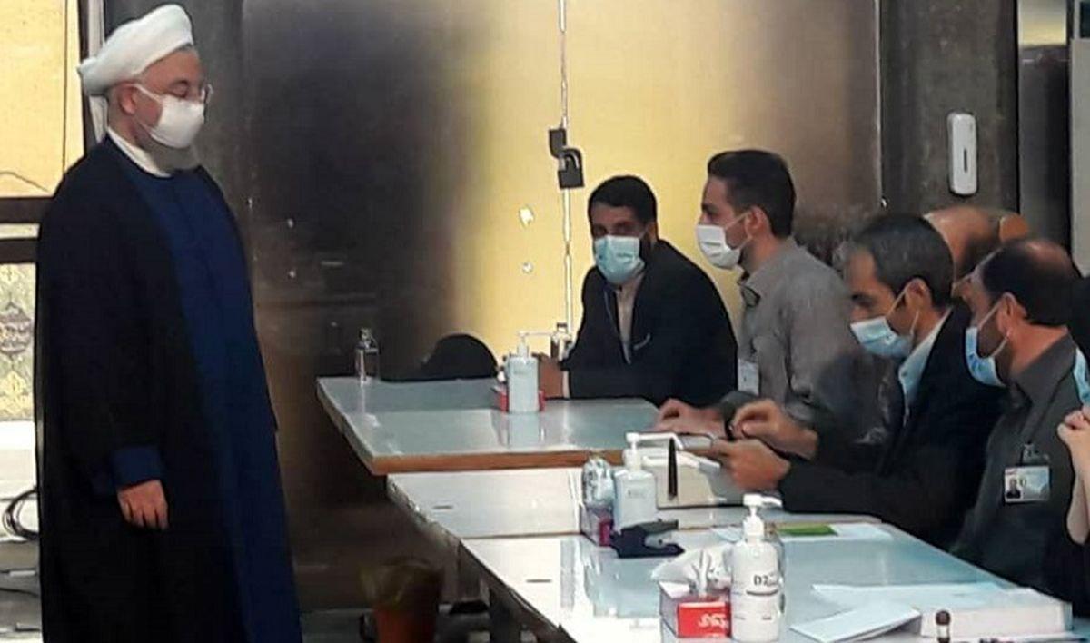 توییت علیرضا معزی درباره شرکت روحانی در انتخابات + عکس