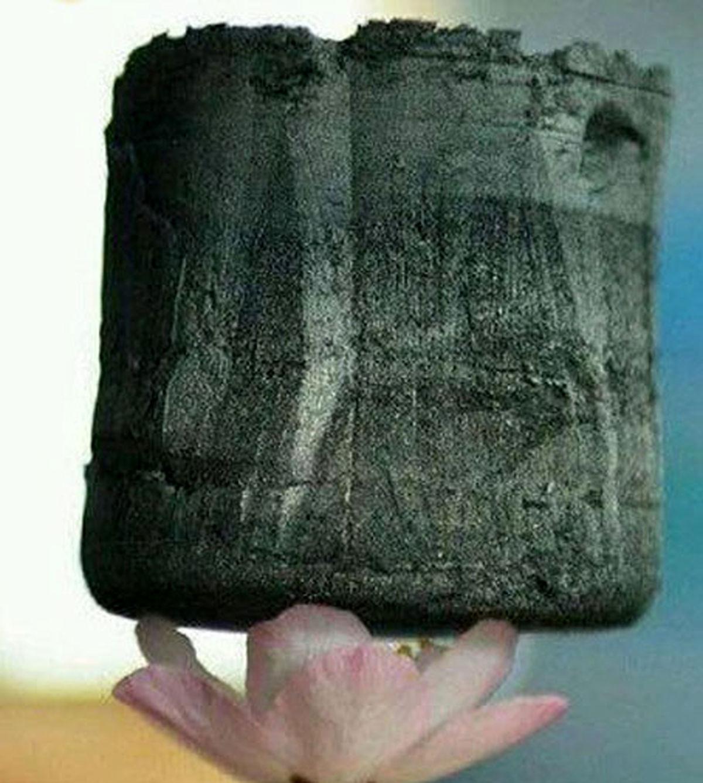 تصویر آیروژل سبک ترین ماده شناخته شده در جهان
