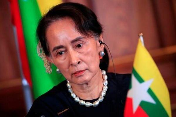 خانم برنده جایزه صلح نوبل متهم به فساد میشود