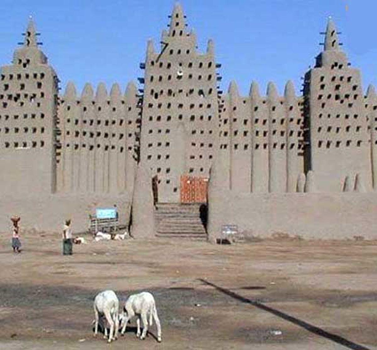 بزرگترین و عجیب ترین بنای گلی دنیا این مسجد است