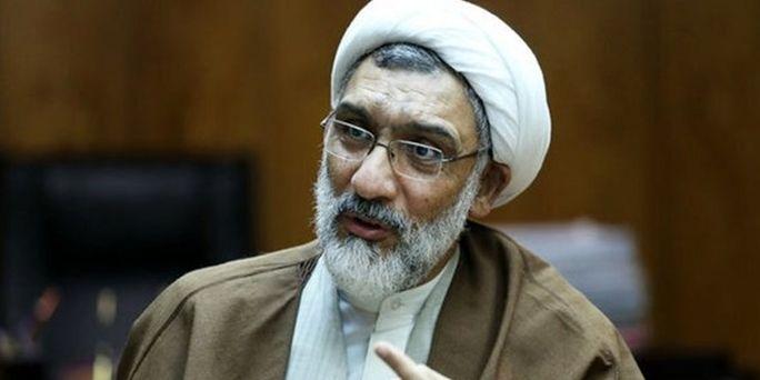 داوری: پورمحمدی مقابل تصمیمات جاهلانه احمدینژاد ایستاد