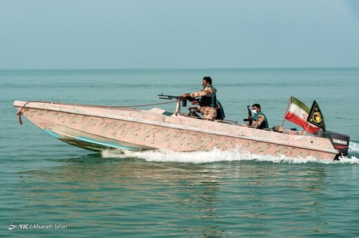 تعقب و گریز قایقهای تندرو آمریکایی توسط سپاه
