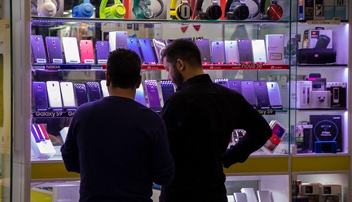 قیمت گوشی موبایل سقوط کرد+ جزئیات