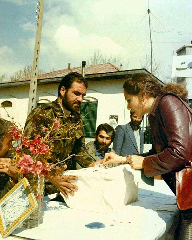 عکسی معنادار از رفراندوم سال ۵۸ به برقراری نظام جمهوری اسلامی
