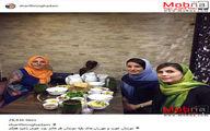 سلفی مجری زن شبکه خبر و دوستانش در یک رستوران/ عکس